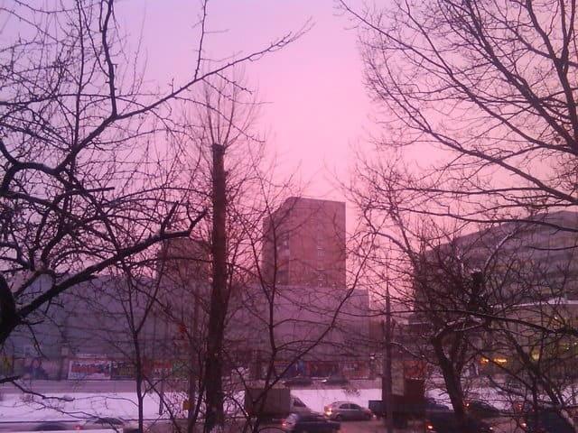 Różowe niebo nad Moskwą